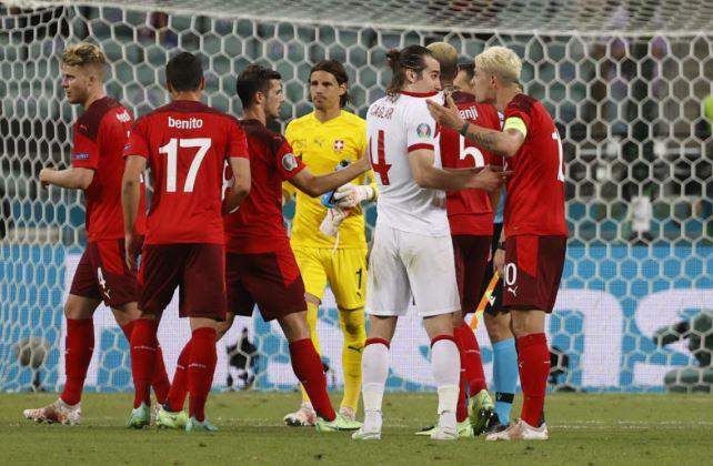 Switzerland beat Turkey to keep Euro 2020 hopes alive