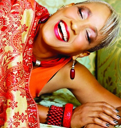 Renè Marie sings, you just can't stop her!
