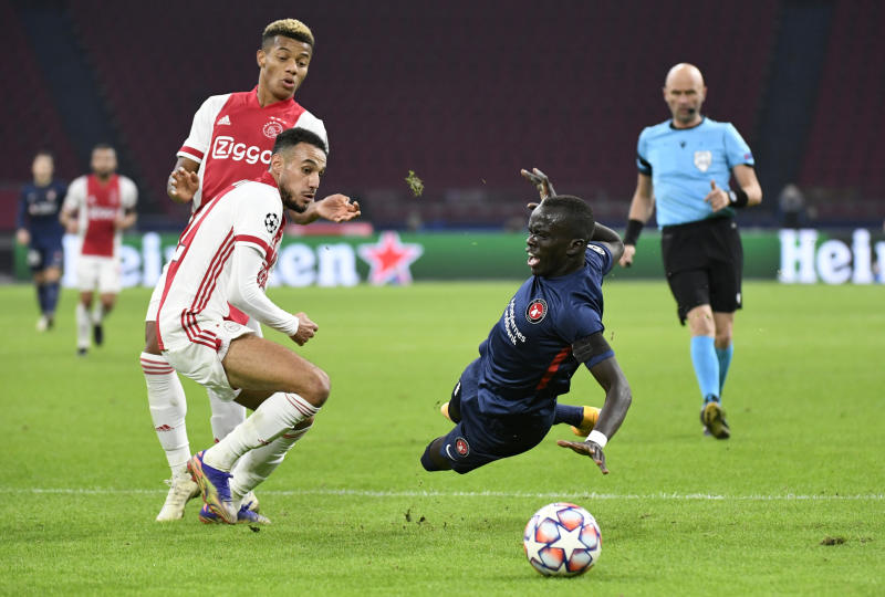 Ajax beat Midtjylland 3-1 to stay second in Champions League group