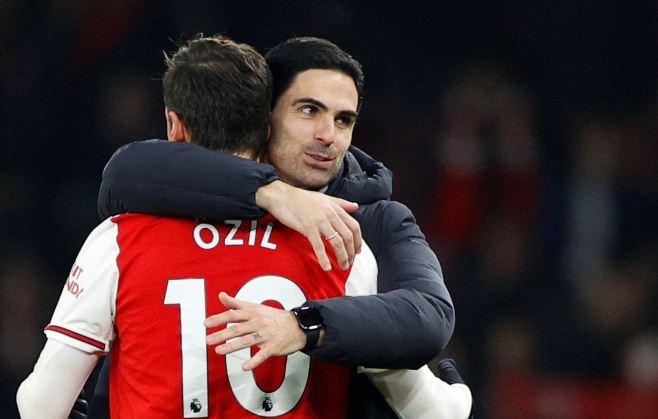 Arteta explains why Ozil left Arsenal