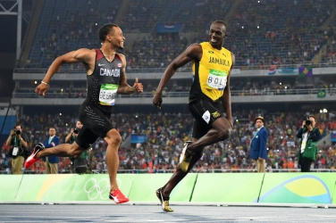 Bolt qualifies for the 200m final as Gatlin and Blake fail to cruise