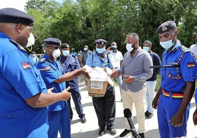 Joho donates masks to be distributed to public at road blocks