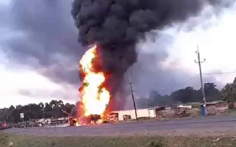 Lorry bursts into flames, killing five in Webuye [Photos]