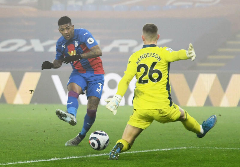 Palace's Van Aanholt racially abused on Instagram after Man United draw