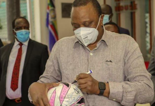 PHOTOS: President Uhuru gives KPL club new team bus, donates Sh2m