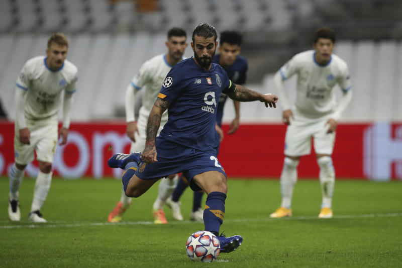 Porto see off sorry Marseille to close in on Champions League last 16