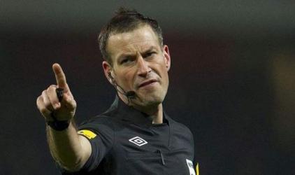 Referee Clattenburg quits Premier League