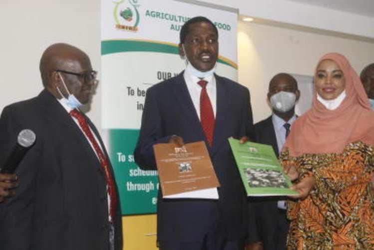 Shot in the arm for farmers as Munya sets minimum milk price