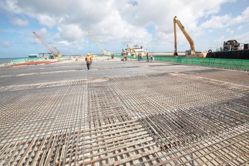 Shortage of construction experts for big projects hurting economy - report