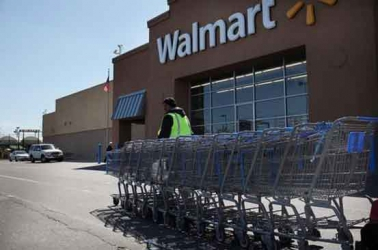 Wal-Mart to cut hundreds of jobs at headquarters