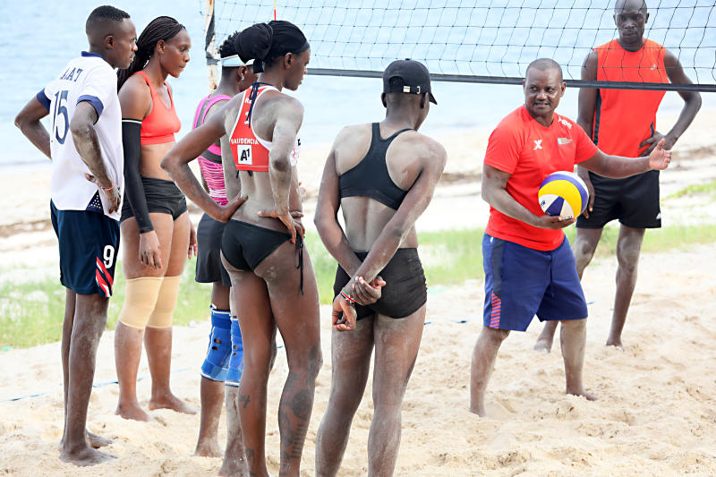 Beach volleyball teams chase Tokyo dream