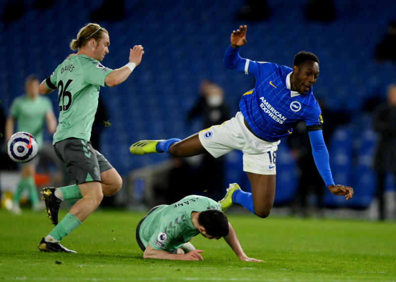 Brighton and Everton battle out dull 0-0 draw