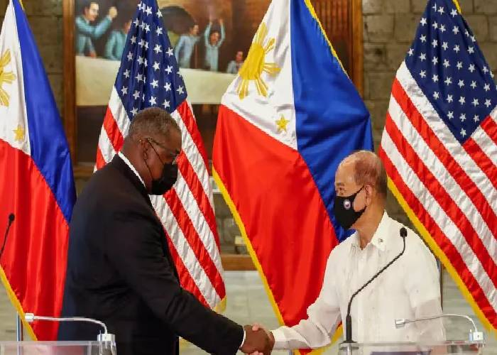China fumes over fresh US-Philippines military pact