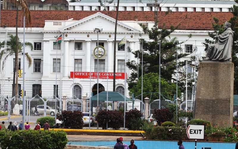 City Hall's revenues drop due to corona
