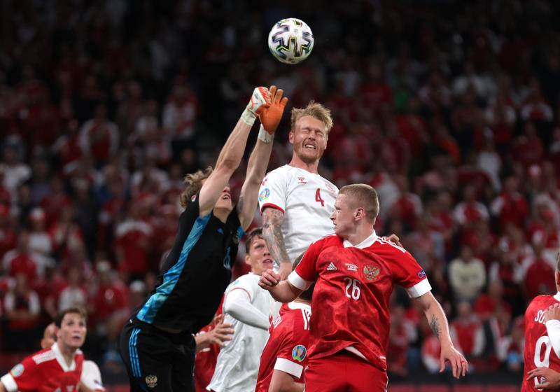 Denmark pull off stunning 4-1 win over Russia to make Euro last 16