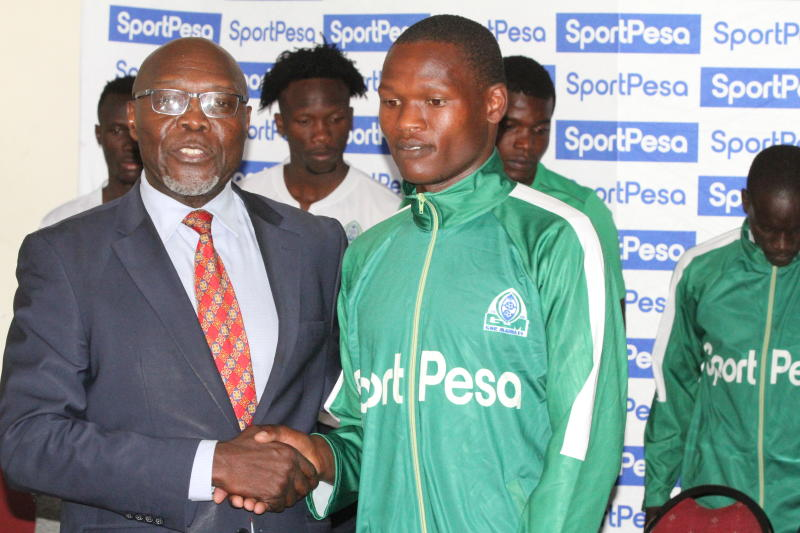 Gor Mahia players donate foodstuff to Rehabilitation Centre
