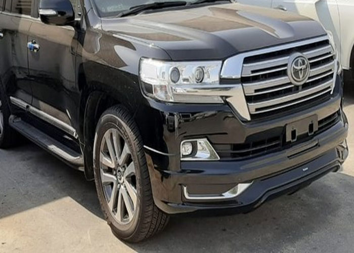 Guns, bullets recovered from suspects driving Land Cruiser V8, Benz in Kilimani
