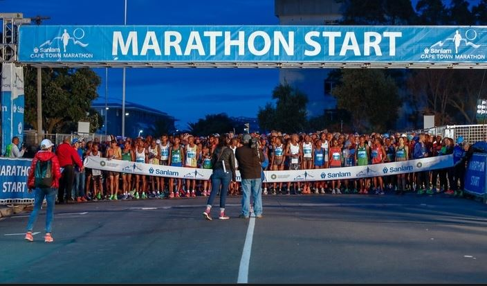 Major marathon resumes in South Africa as mass participants run in Cape Town