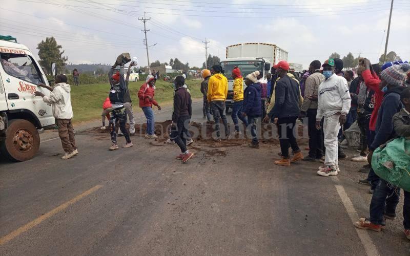 Naivasha residents want footbridges along Nairobi-Nakuru highway to curb road accidents