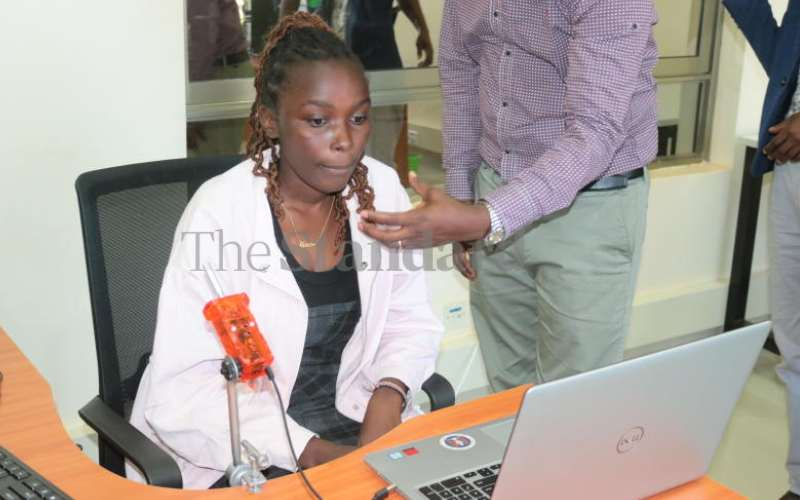 Hands-free app aids amputees on computer work