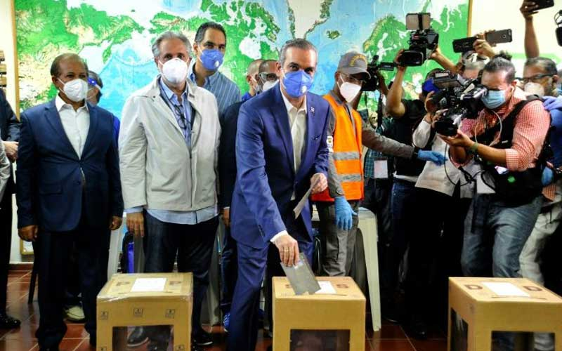Opposition candidate wins Dominican Republic presidential poll