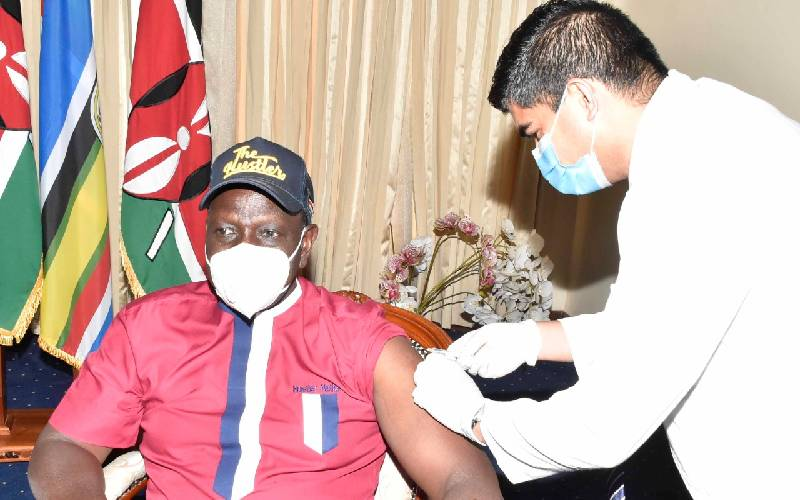 Photos: DP Ruto joins leaders in getting Covid-19 vaccine