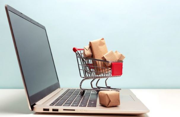Shoppers keep online retailers on their toes
