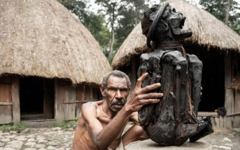 Inside death-worshipping mountain tribe who cook ancestors' remains every day