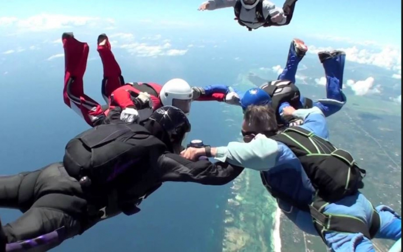 Skydiving banned in Diani after tourist dies