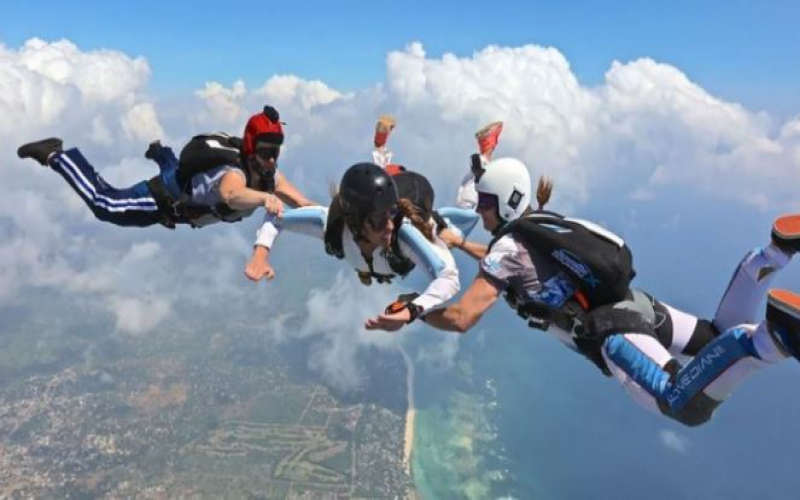 Skydiving expeditions in Diani suspended after paratrooper's death