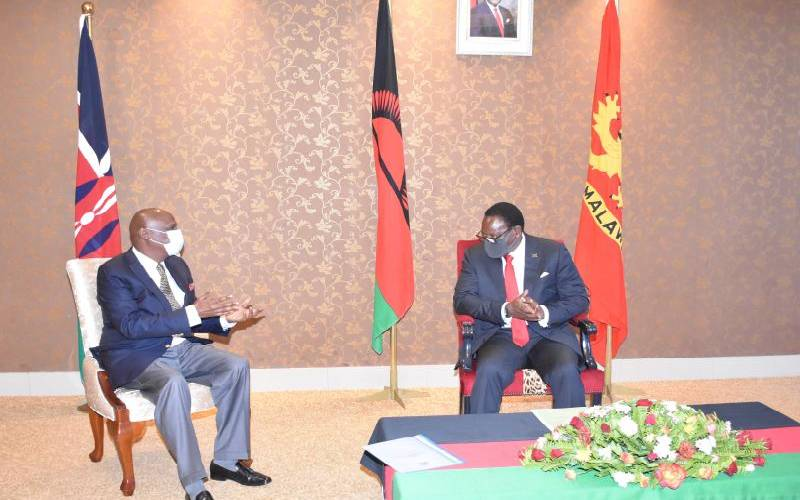 Uhuru pledges to support Malawi president