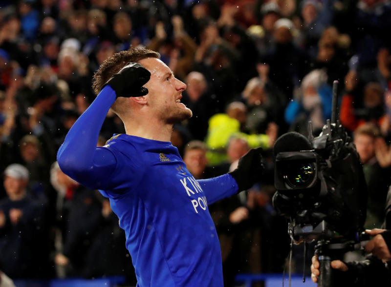 Vardy leads Leicester past Aston Villla