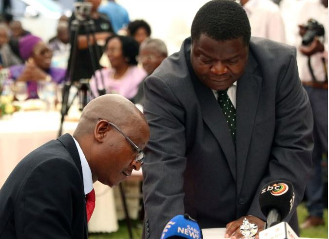 Zimbabwe government challenges ruling against chief justice