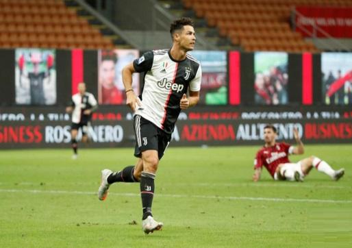 AC Milan 4-2 Juventus: Milan hit back with three goals in five minutes to floor Juve