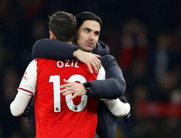 Arteta defends Ozil's huge Sh45 million-a week salary