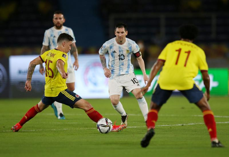 Colombia score in added time to grab 2-2 draw with Argentina
