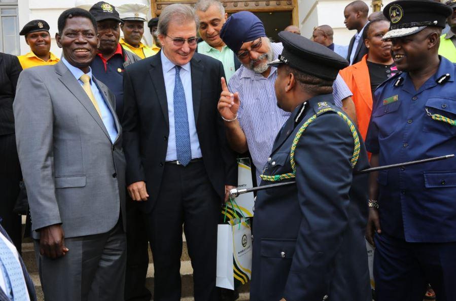 Nairobi Governor Mike Sonko,Chairman of the International Police Association Kenya Chapter, Alfred Otieno, IPA members Malkit Singh, Jimmy Askar among other members.