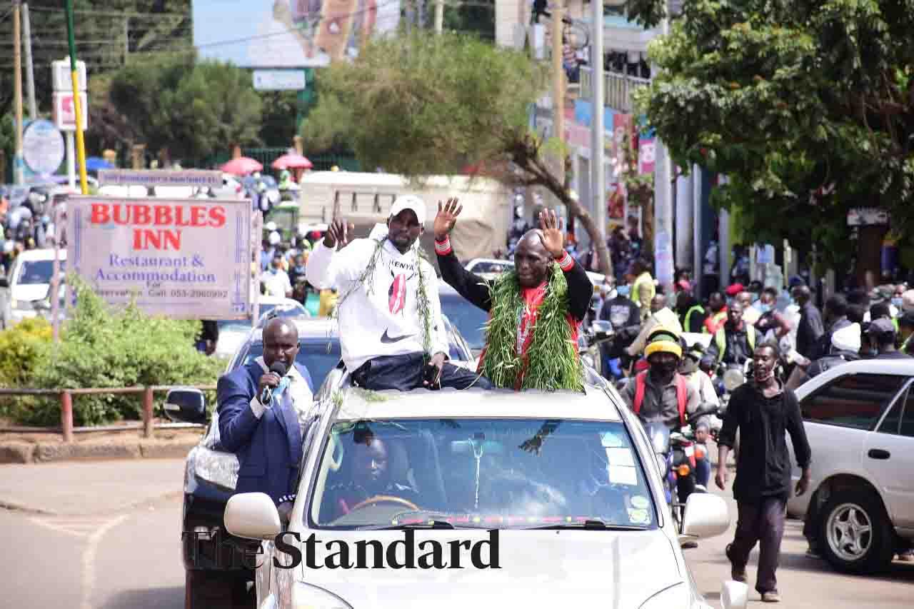 Eldoret bursts into celebration as World Under-20 star Amos Serem arrives [Photos]