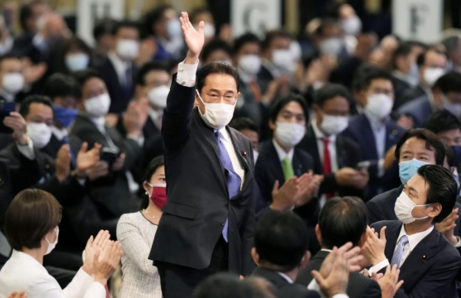 Fumio Kishida set to become Japan's next PM after party vote