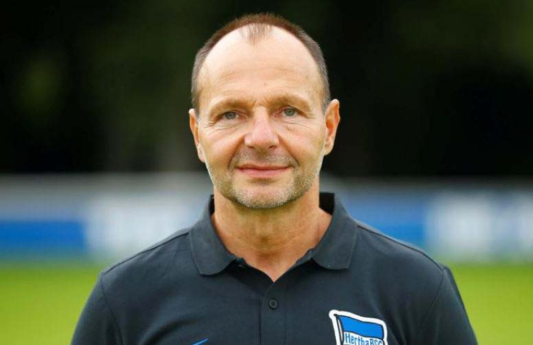 Goalkeeping coach sacked over comments on migration, homosexuals