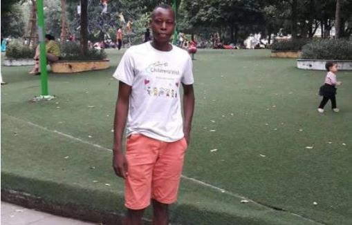 Kenyan family calls for help for athlete who lives under a tree in South East Asia