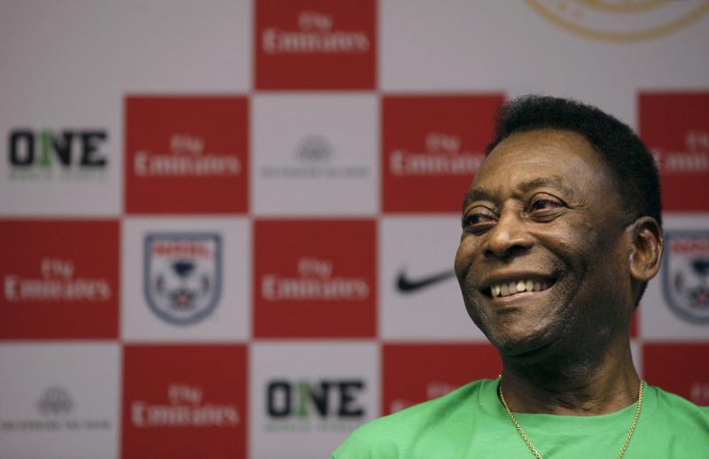 Pele releases a song about a football curse