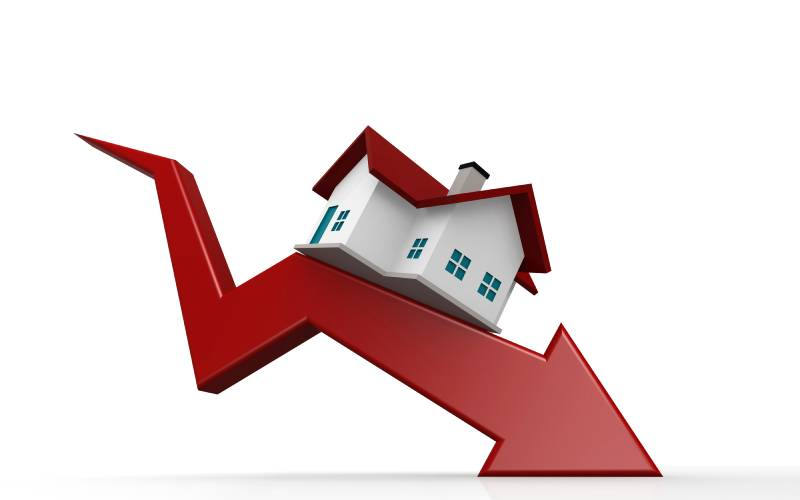 Poor sales push real estate firms off the cliff