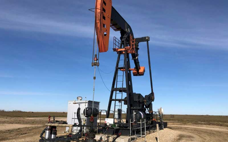 Oil prices tumble amid US-China trade uncertainty