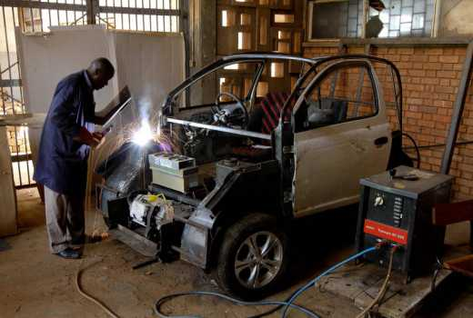 Uganda backs electric vehicle project