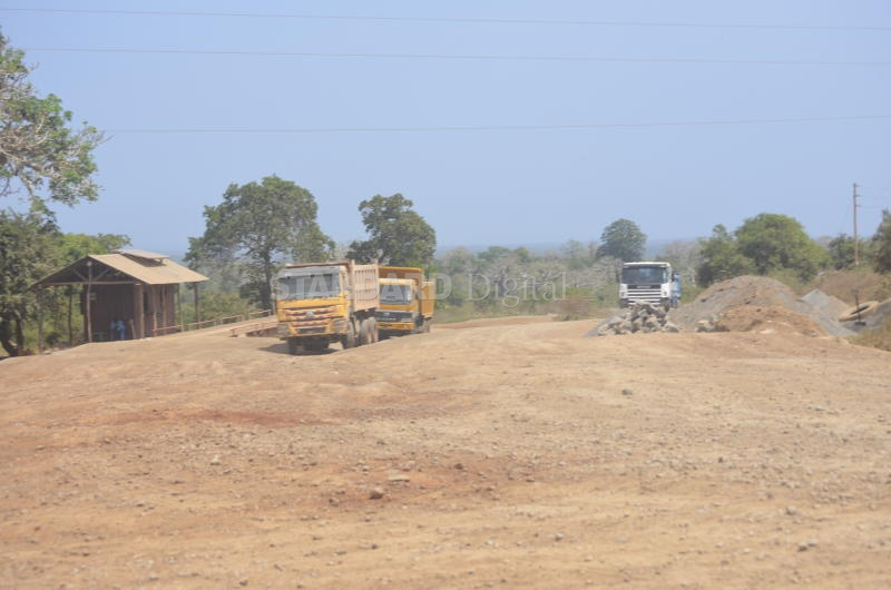 Villagers clash with truckers over dust