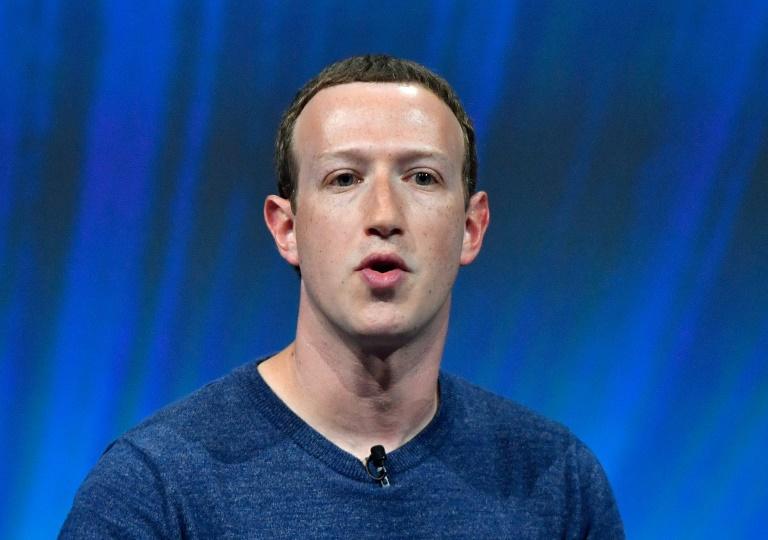 Zuckerberg says 'won't resign'