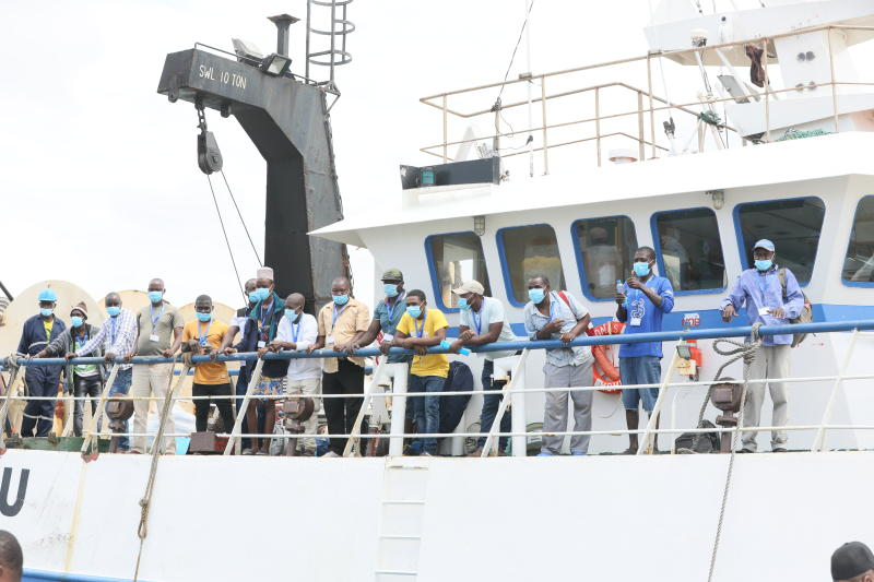 What happens to Kenyan sailors in Chinese ships