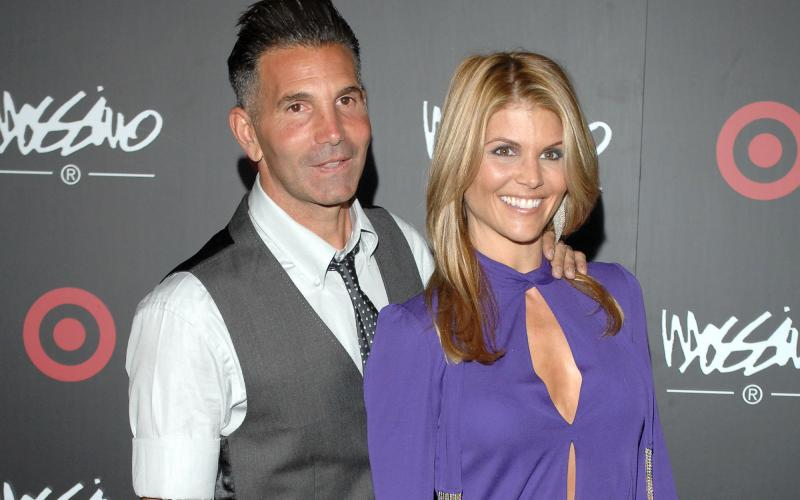 Actress Lori Loughlin, husband face sentencing for scheme to secure daughter's admission to top school