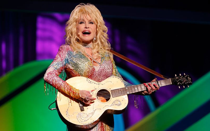 Dolly Parton rejects plan to erect statue of her for a noble reason